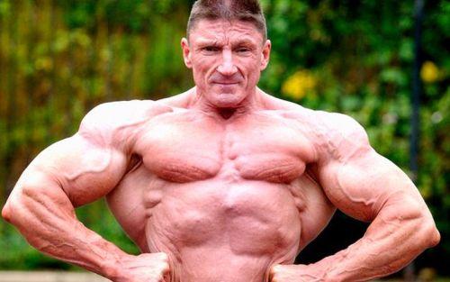 60 Jähriger Bodybuilder für so viele Steroide hoch