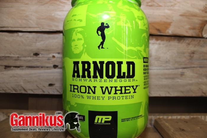arnold-schwarzenegger-iron-whey-amino-spicking
