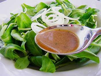 Gerade in fertigen Salatdressings kann aber ebenso Gluten verarbeitet worden sein.