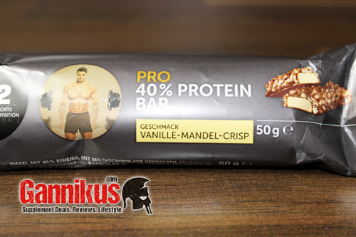 qi2-pro-40-proteinriegel-vanille-mandel-crisp-mcfit