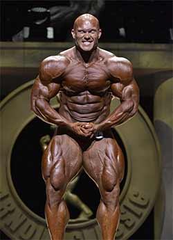 Ben Pakulski macht regelmäßig Cardio und die Beine sind sein Markenzeichen.
