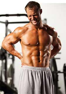 """Bei leichtem Muskelkater ist ein leichtes """"Pump Training"""" sogar empfehlenswert, während man mit starkem Muskelkater eher pausieren sollte."""