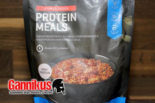 Bei wem es schnell gehen muss, der macht mit dem MyProtein Proteinmahlzeit Peri Peri Hühnchen nichts falsch!