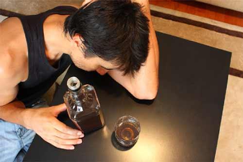 wie-alkohol-deine-diaet-beeinflussen-kann-proteinsynthese