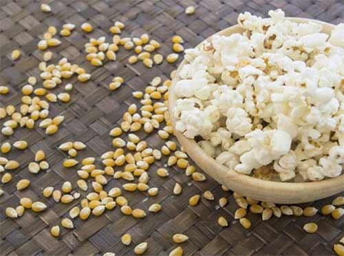 5-lebensmittel-fuer-eine-einfachere-diaet-popcorn