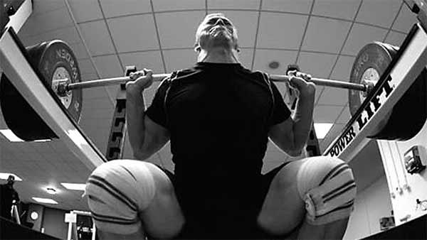 wie-man-unmittelbar-staerker-wird-squat