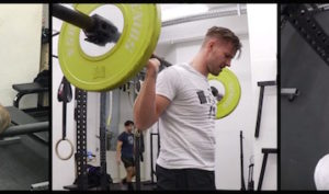 johannes-kwella-beugt-50kg-fuer-200-wiederholungen
