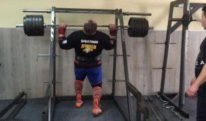dimitar-savatinov-bewaeltigt-240kg-in-der-push-press