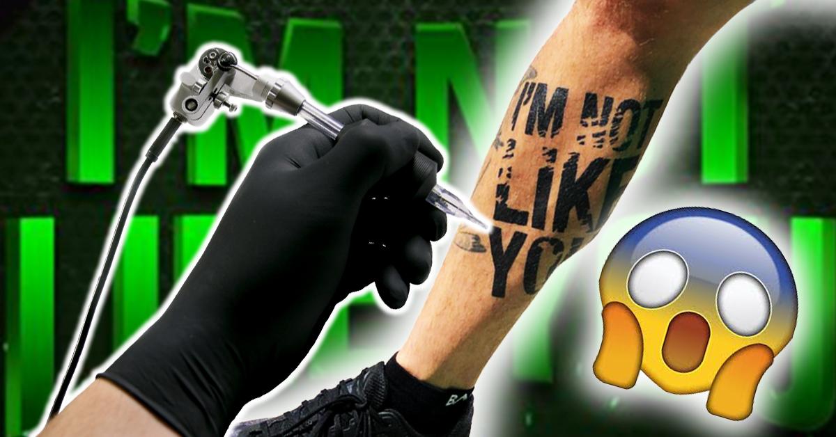 fan-laesst-sich-zec-tattoo-stechen