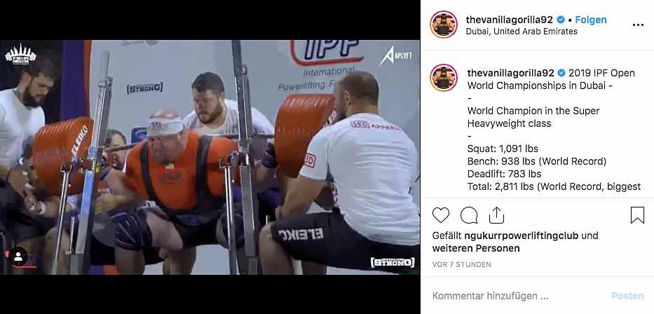 Instagram-Beitrag: Blaine Sumner macht die Kniebeuge mit drei Spottern um sich herum.