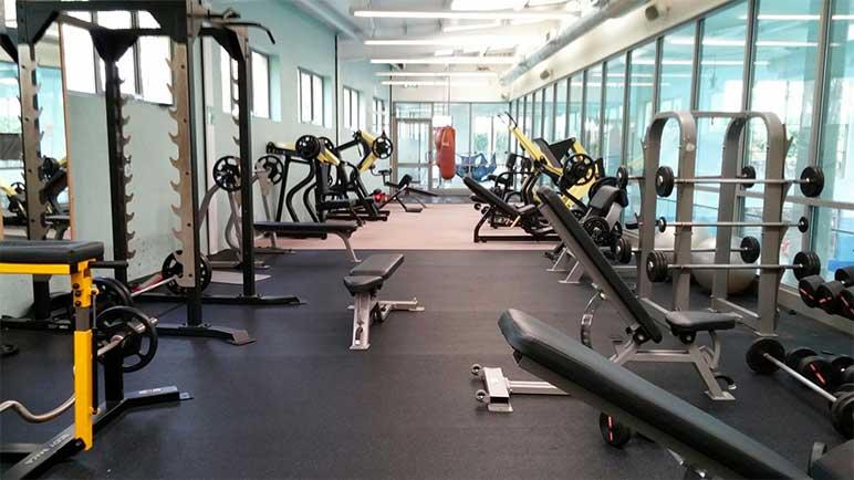 Bild: Muss man das Coronavirus-bedingt geschlossene Fitness-Studio weiter bezahlen