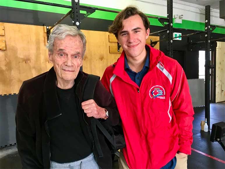 Bild: Bill Mason mit seinem Enkel
